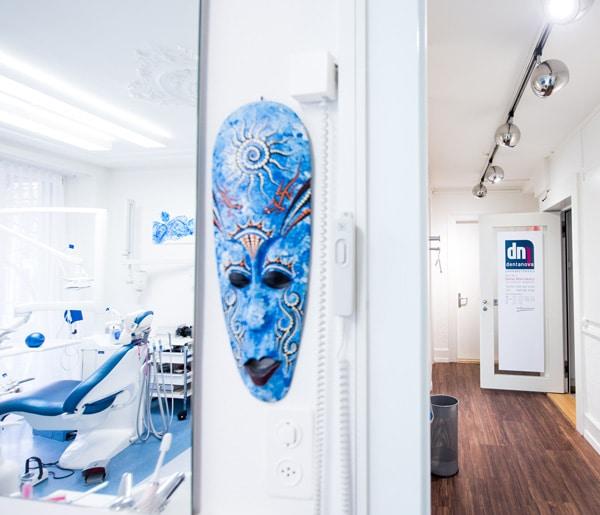 Zahnarztpraxis Zürich Dentanova Flur
